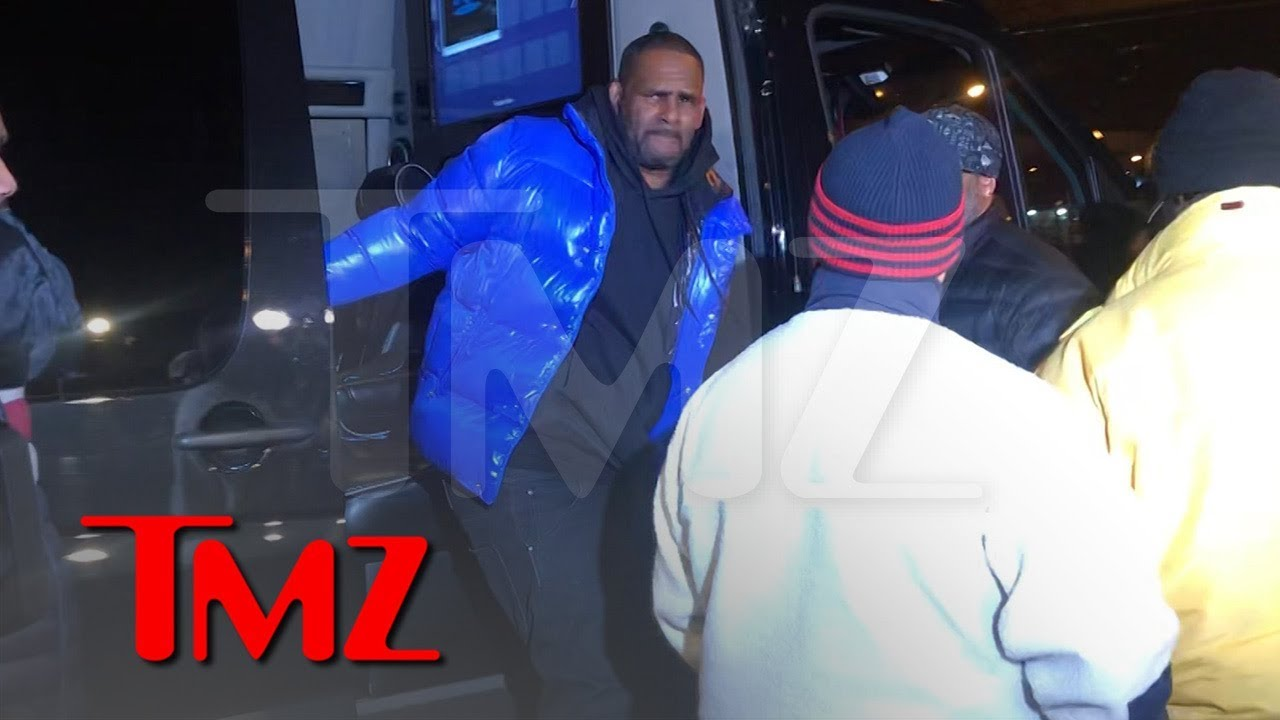 R. Kelly Turns Himself In To Police After Being Charged With Sexual Abuse 3