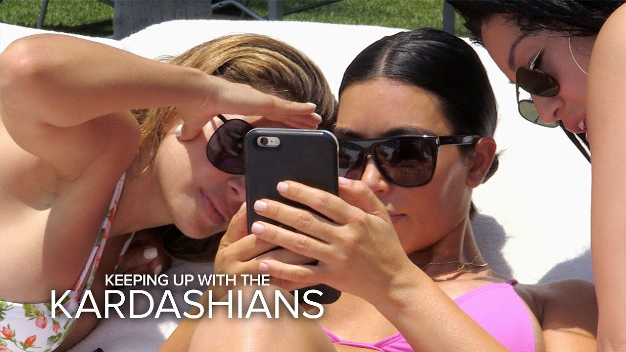 KUWTK   Kim Kardashian Gets Upset Over Bad Paparazzi Pics on Vacay   E! 5