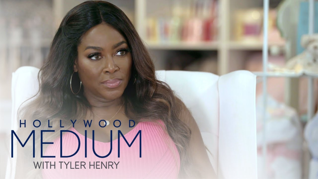 Kenya Moore Gets a Sign During Her Reading With Tyler Henry | Hollywood Medium with Tyler Henry | E! 5