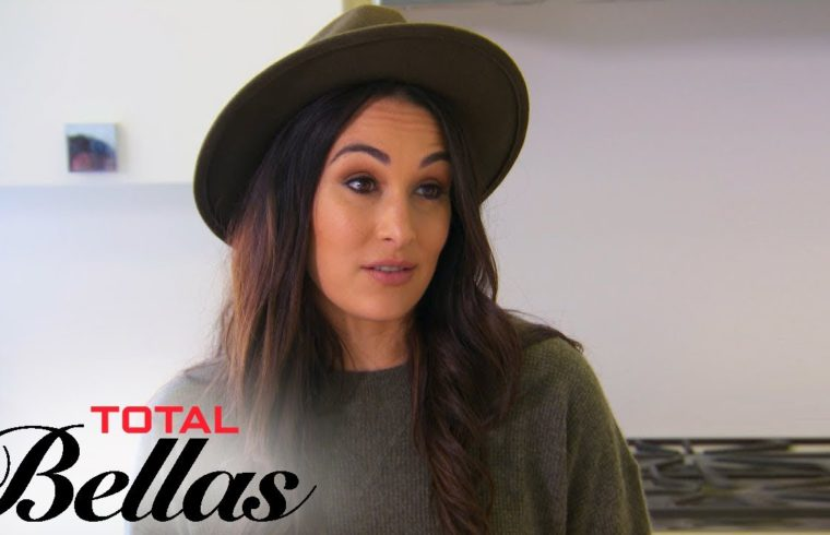 Brie Bella & Daniel Bryan Disagree About Breaking Their Lease | Total Bellas | E! 1