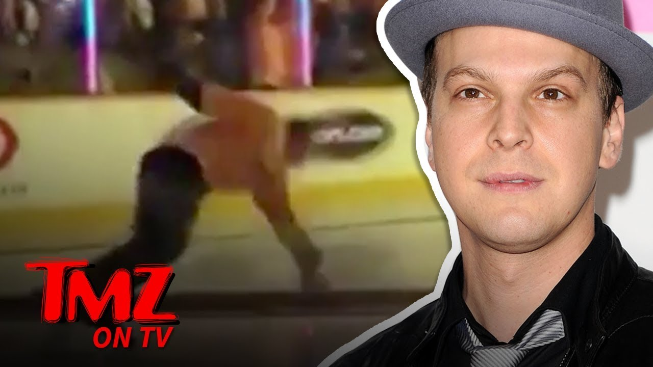Gavin Degraw Takes A Spill On The Ice After National Anthem | TMZ TV 5