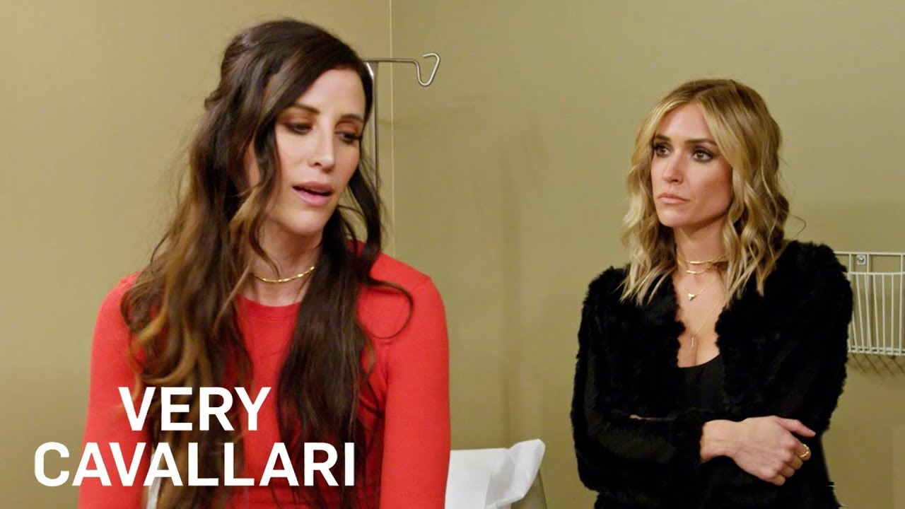 Kelly Henderson Receives Bad News From OBGYN | Very Cavallari | E! 4